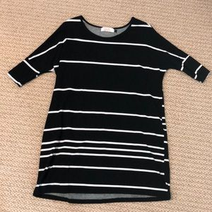 Ava Sky 3/4 length sleeve dress. Black/White. S